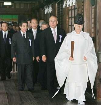 驻日大使王毅就小泉再次参拜提出强烈抗议(图)