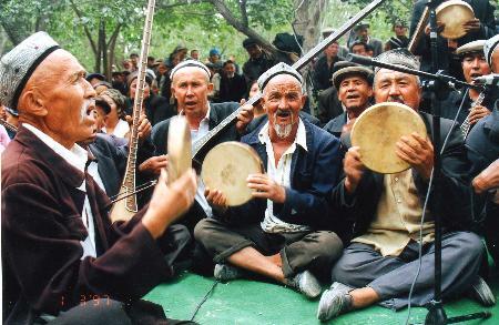 新疆维吾尔木卡姆艺术入选联合国非物质遗产