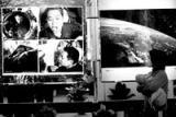 神六返回舱在国家博物馆首次展出(组图)