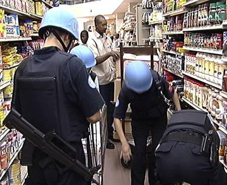 探访中国海地维和警察:最危险工作是解救人质