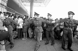 河南大雪考验铁路春运郑州铁路局措手不及