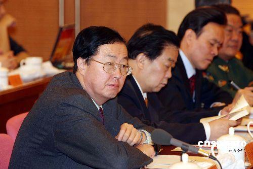 北京 周小川/周小川列席北京代表团会议