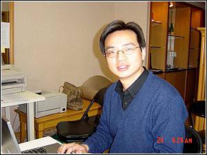 CCTV-2主持人陈伟鸿、策划徐立军8日10:30做客