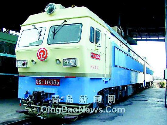 我市迎来首台电力机车 2006年铁路大幅提速