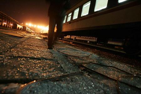 冰点特稿:T70次列车沙尘暴惊魂记(乘客版)