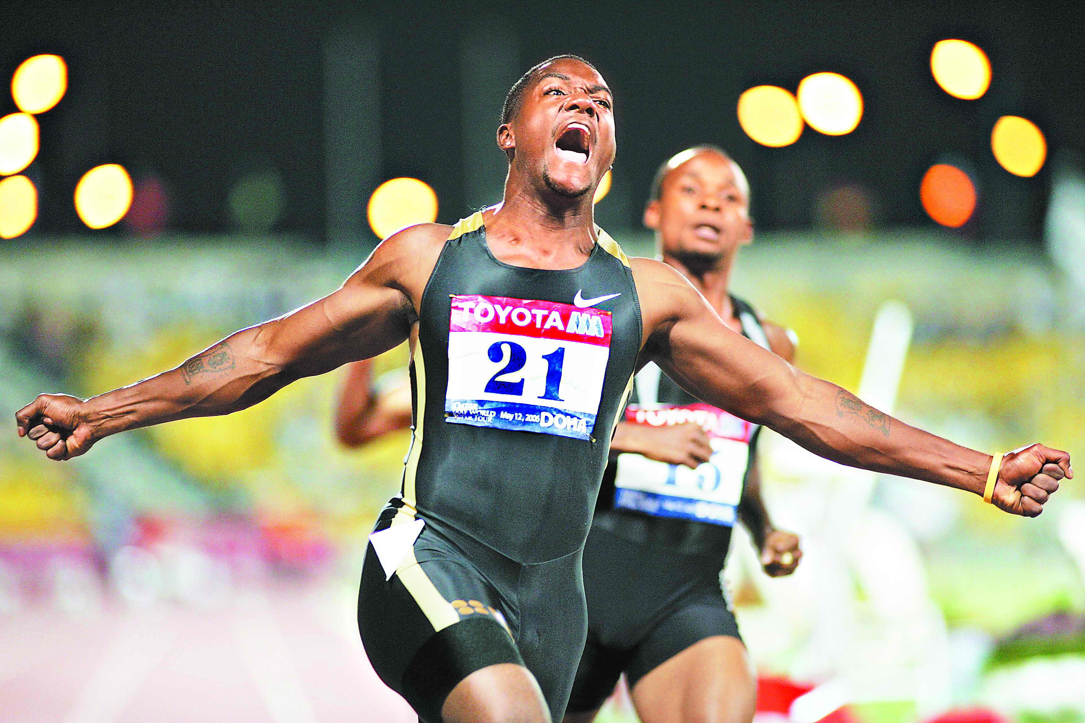 9.76秒!加特林今晨跑出世界百米新纪录