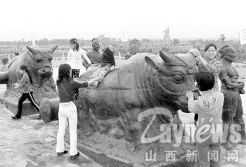 黄河铁牛骑不得!(图)