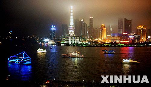 图文:中国上海黄浦江夜景