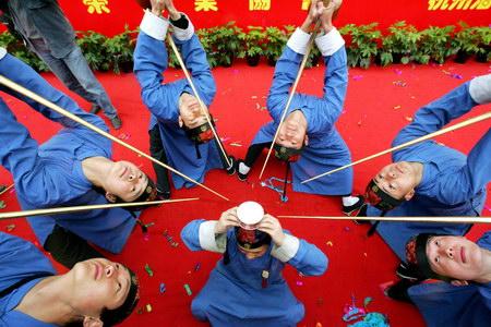 2006杭州清河坊民间茶会(文化及艺术新闻优秀奖单幅)