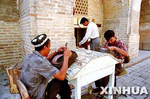 图文:乌兹别克斯坦布哈拉古城的手工艺者