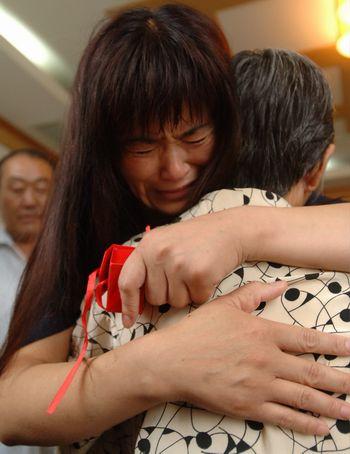 唐山夫妇赴兖州省亲续:与兖州恩人喜泪相聚