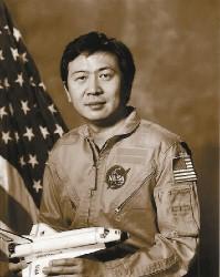 从王赣骏到卢杰美4位华裔宇航员的太空足迹(图)