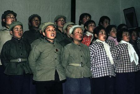 资料图片:儿童合唱团成员正在排练