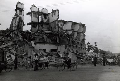资料图片:震后唐山市街景