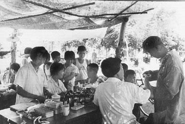 翻开上海女医生的救灾日记:用帐篷支起临时医院