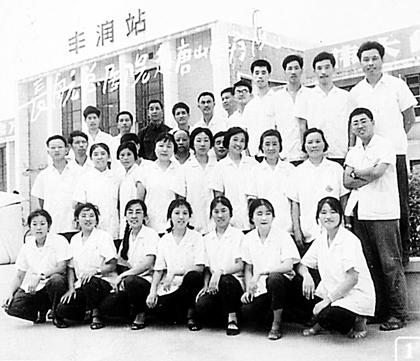 武汉制药厂退休干部余女士:我们母女被埋8小时