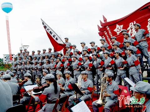 红旗飘飘军号响歌曲谱