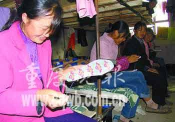重庆赴新疆棉农首次打牙祭人均吃肉0.6公斤(图)