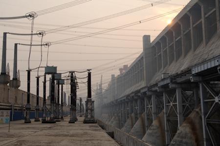 三峡电站发出的电能送往受电地区