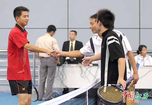 省运会网球比赛30日产生第一块金牌(组图)