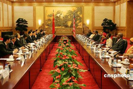 胡锦涛:中国支持利比里亚和平进程和经济重建