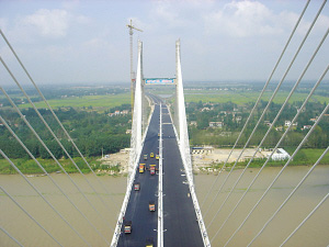 江苏盐徐和沿海两条高速公路今建成通车