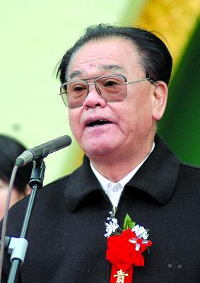 前湖南省委书记返乡种地村干部天天拜访