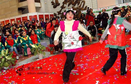 情系特奥关爱残障上海07年特奥校园巡展举行[图]
