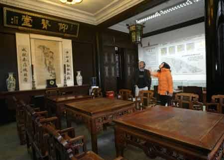 上海浦东古镇欲挖河重建高桥引发争议(组图)