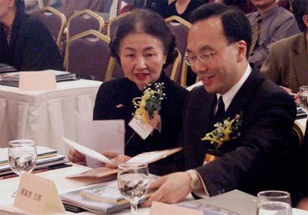 香港立法会议员梁家杰宣布参选特首