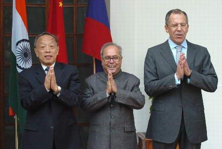 中印俄发表联合公报将深化反恐能源等领域合作