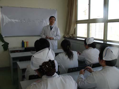 """""""坏高中""""讲""""白大褂""""学说话消息中国体制图片"""