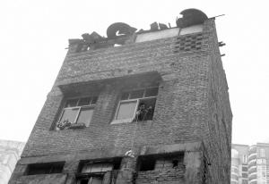重庆最牛钉子户要求恢复供水供电遭拒