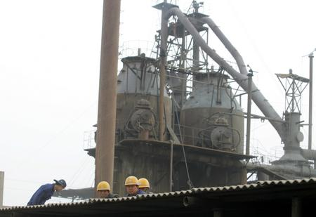 辽宁钢厂钢水包脱落32人死亡2人受伤(组图)