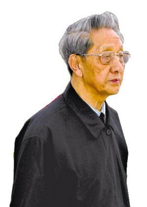 八旬老人20年筹资建成炎黄二帝巨型塑像(图)