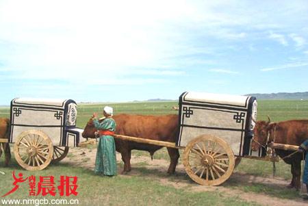 蒙古文化学者郭雨桥讲述勒勒车制作技艺(图)