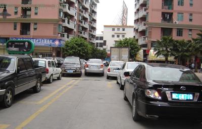 小区物业可合理增设停车位