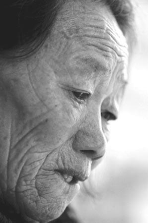 活人证雷桂英走完79年坎坷人生(图)