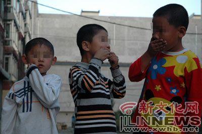 不听话 吉林幼儿园孩子被老师用胶带封嘴