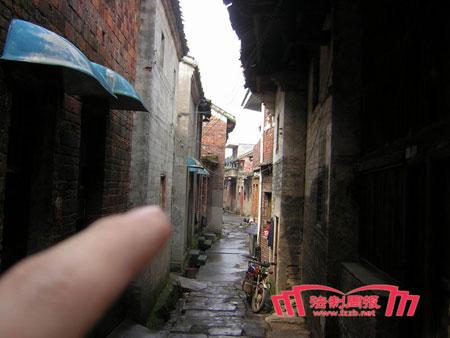 湖南郴州原副市长雷渊利曾包养9名情妇(组图)