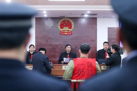 沈阳/沈阳爆炸抢劫银行运钞车主犯被一审判死刑图片来源:China Foto...