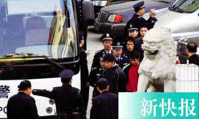 广东黑帮宾馆开年会警察突袭抓获百人(组图)