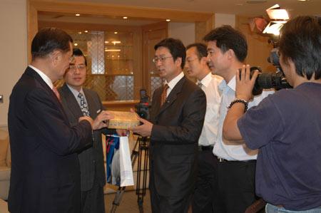 台湾日记之六:专访国民党主席连战先生(组图)