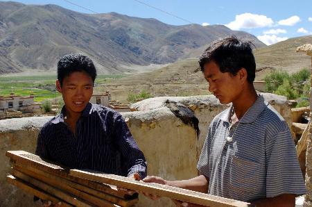 图文:西藏民间传统工艺异彩纷呈(3)