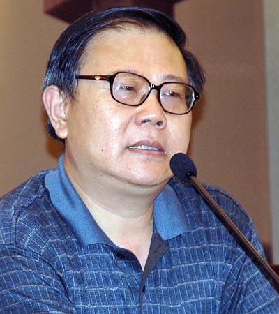 图文:中宣部新闻局副局长明立志