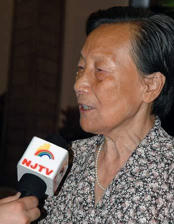 组图:南京大屠杀幸存者夏淑琴接受采访