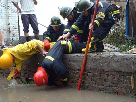 图文:北京朝阳区东坝乡遭遇洪水
