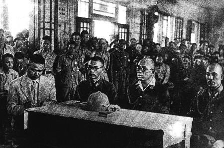 图文:侵华日军总司令冈村宁次派人向我军洽降