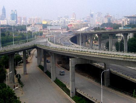 组图:南京城东干道快速内环高架桥即将通车