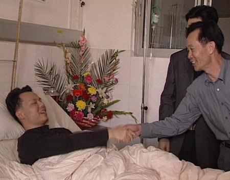 新闻会客厅:广东潮州反黑斗士严照雄的反黑七年
